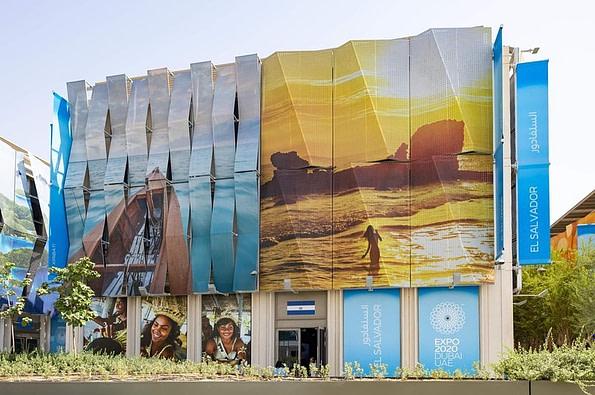 Family in Dubai Expo 2020